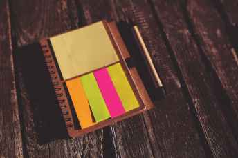 office-notes-colorful-paper.jpg